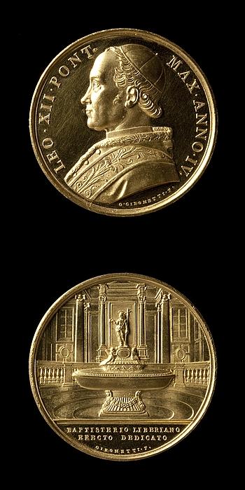Medalje forside: Leo 12. Medalje bagside: Baptisteriet i Santa Maria Maggiore i Rom