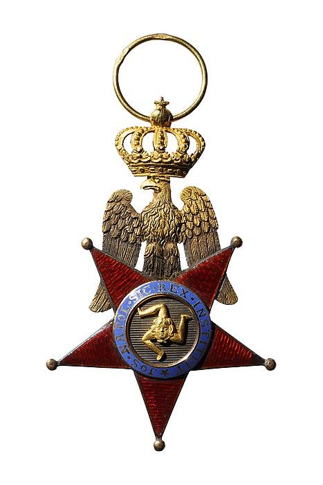Ridderkors til ordenen af Begge Sicilier, revers