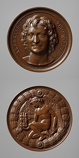 Medalje forside: Portræt af Thorvaldsen. Medalje bagside: Billedhuggerkunstens genius knæler med Thorvaldsens Gratierne og Amor i hånden
