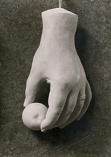 Afstøbning af Christine Stampes venstre hånd