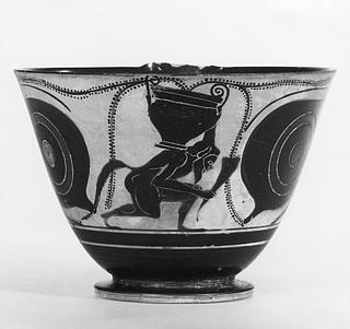 Kyathos med sirener, øjne og en silen bærende på en krater og et drikkehorn. Græsk